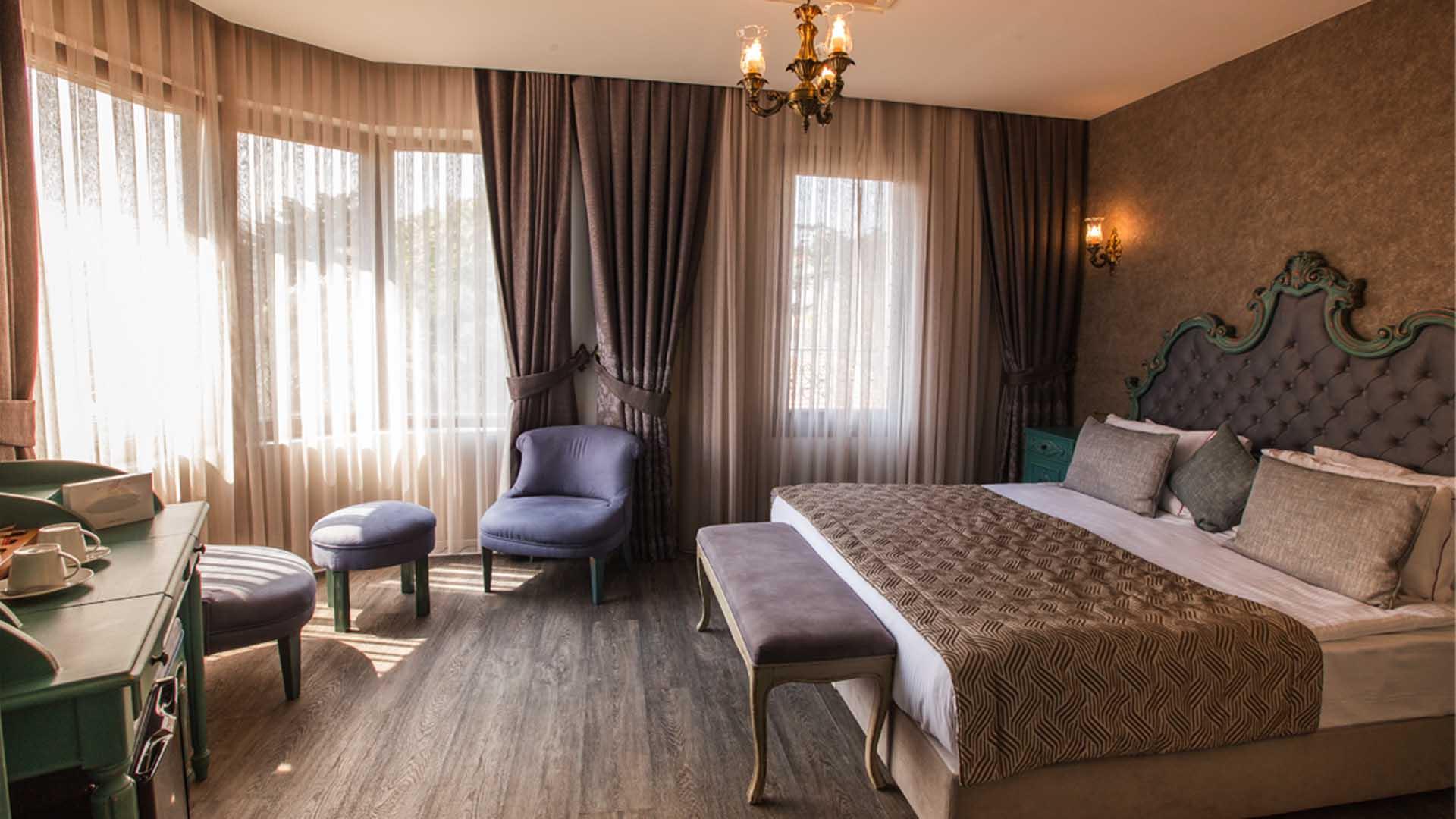 idylle-hotel-deluxe-room-bed